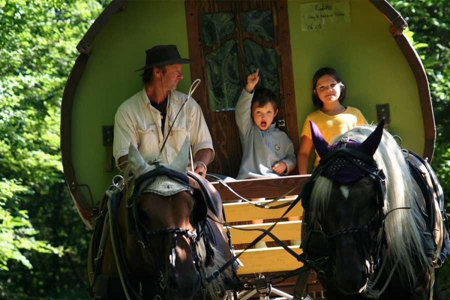 Mit dem Planwagen in der Drôme - Zigeunerwagen